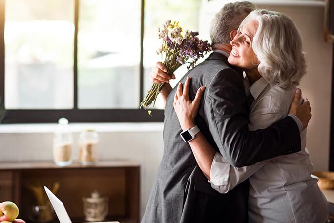 お父さん・お母さん「おめでとう♪」 結婚記念日に贈りたい誕生花