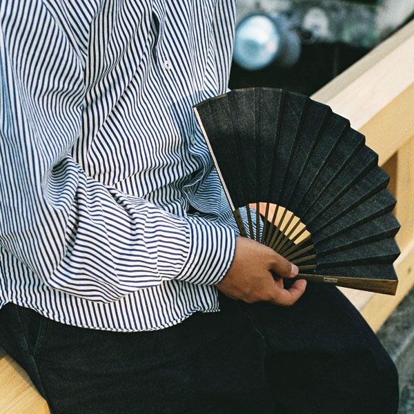 どんなファッションにも合わせやすい逸品