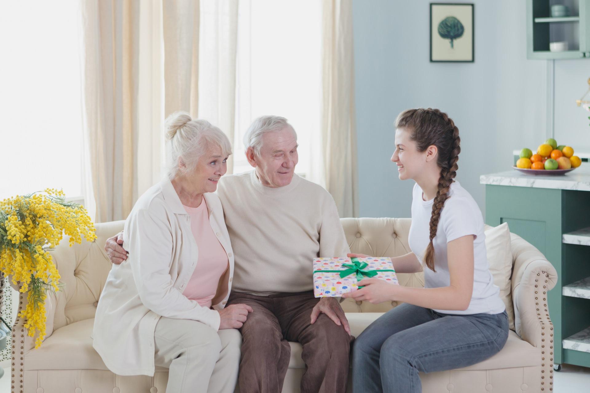 敬老の日にはおじいちゃん・おばあちゃんが喜ぶギフトをプレゼント