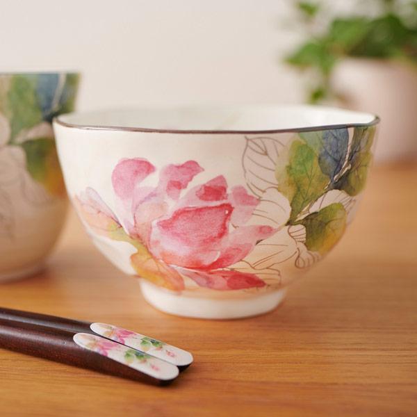 優しいタッチで描かれたバラの花がポイントです
