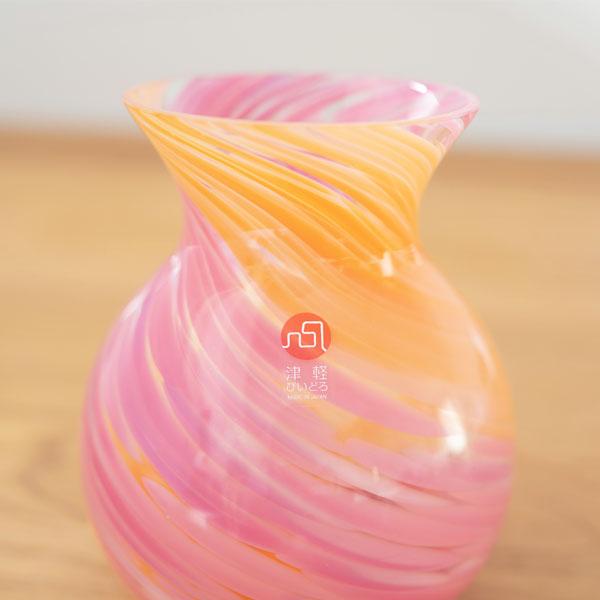 様々な色を組み合わせたハンドメイドガラス