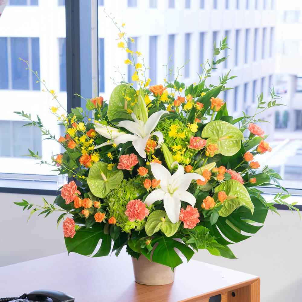 【アレンジメント(法人)】イエローとオレンジの豪華なアレンジメント