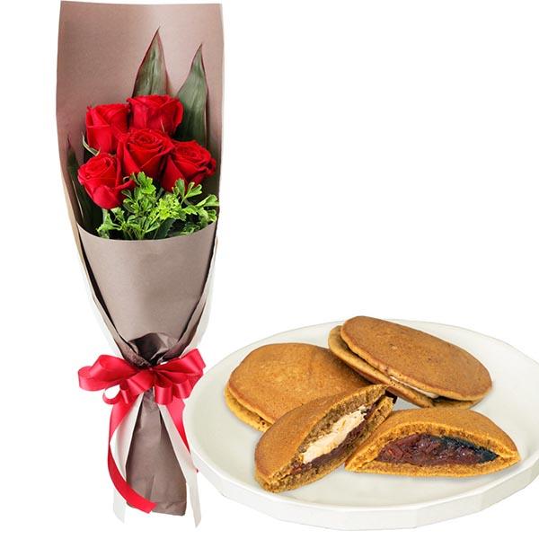 【お祝いセットギフト】赤バラ5本の花束と【果子乃季】山の口どらやき10個入