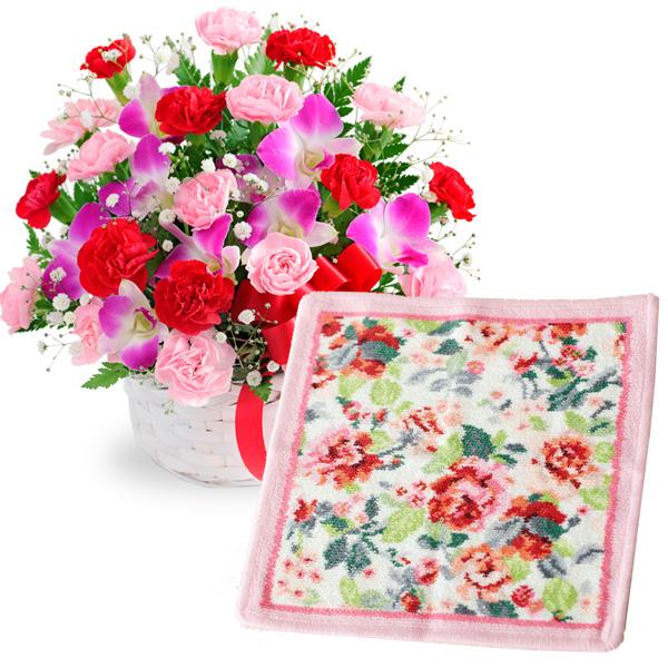 【母の日】カーネーションと赤リボンのバスケットと【FEILER】イングリッシュローズ ハンカチ c60521282 |花キューピットの2019母の日プレゼント特集