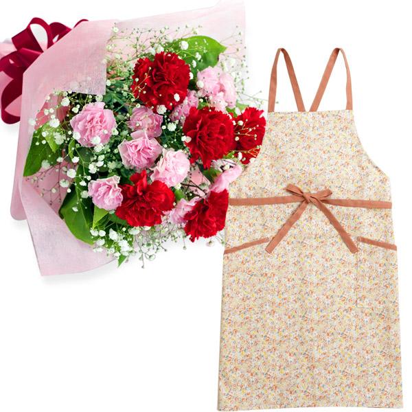 カーネーションの花束とフラワーエプロン i09521269 |花キューピットの母の日 お花とセットの特集2020