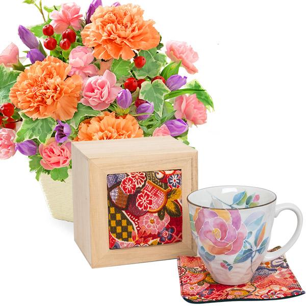 【敬老の日】リンドウとカーネーションのアレンジメントと花ことばマグカップ バラ(ちりめん木箱)