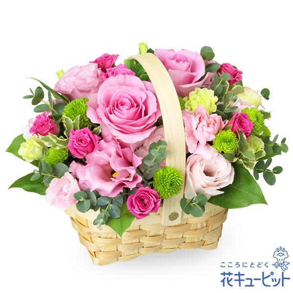 【お祝い】ピンクバラのウッドバスケットアレンジメント愛らしい色合いのアレンジメント