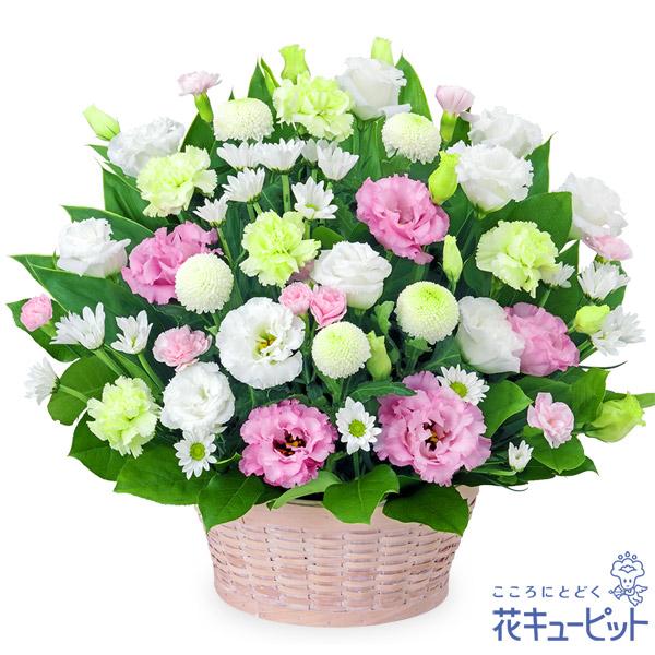 【四十九日法要以降に贈る献花】お供えのアレンジメントたくさんの淡い色合いの花々が故人への想いを繋ぎます