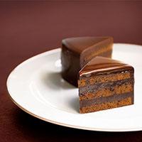 濃厚な味わいのカットケーキ|ホワイトデープレゼント特集2021
