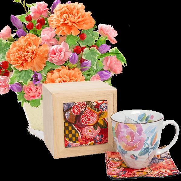 リンドウとカーネーションのアレンジメントと花ことばマグカップ バラ(ちりめん木箱)