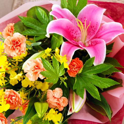 【お祝い】ユリとカーネーションの花束優しい気持ちになれる華やかな花束!