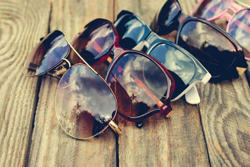 ファッションアイテムとしても使えるサングラス