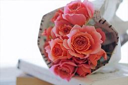 バラが贈りたくなる記念日一覧!~どんな記念日なのかも紹介~|花コラム